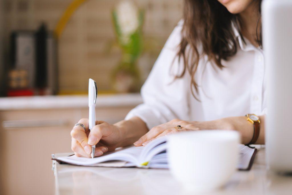 conseil éditorial pour livre expert par Emmanuelle Jappert coach littéraire et auteure